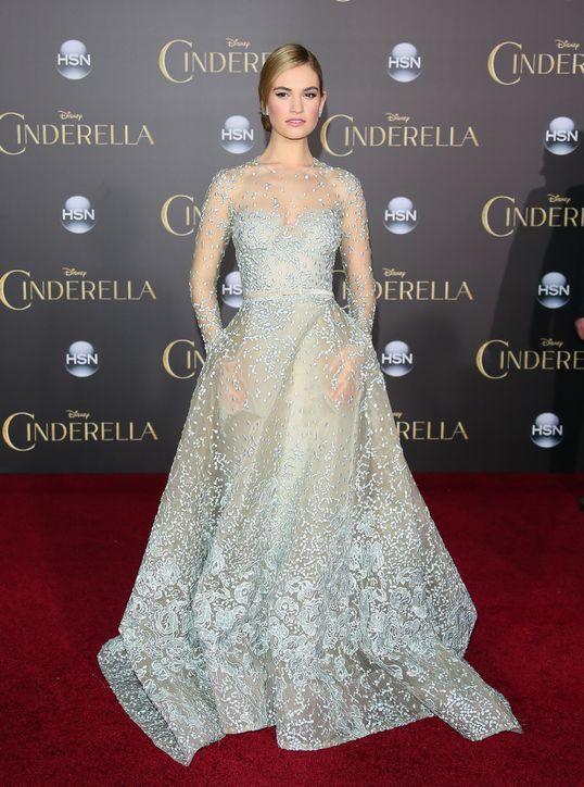 Lily James Brings Fairytale to Life at Cinderella Premiere – FIB