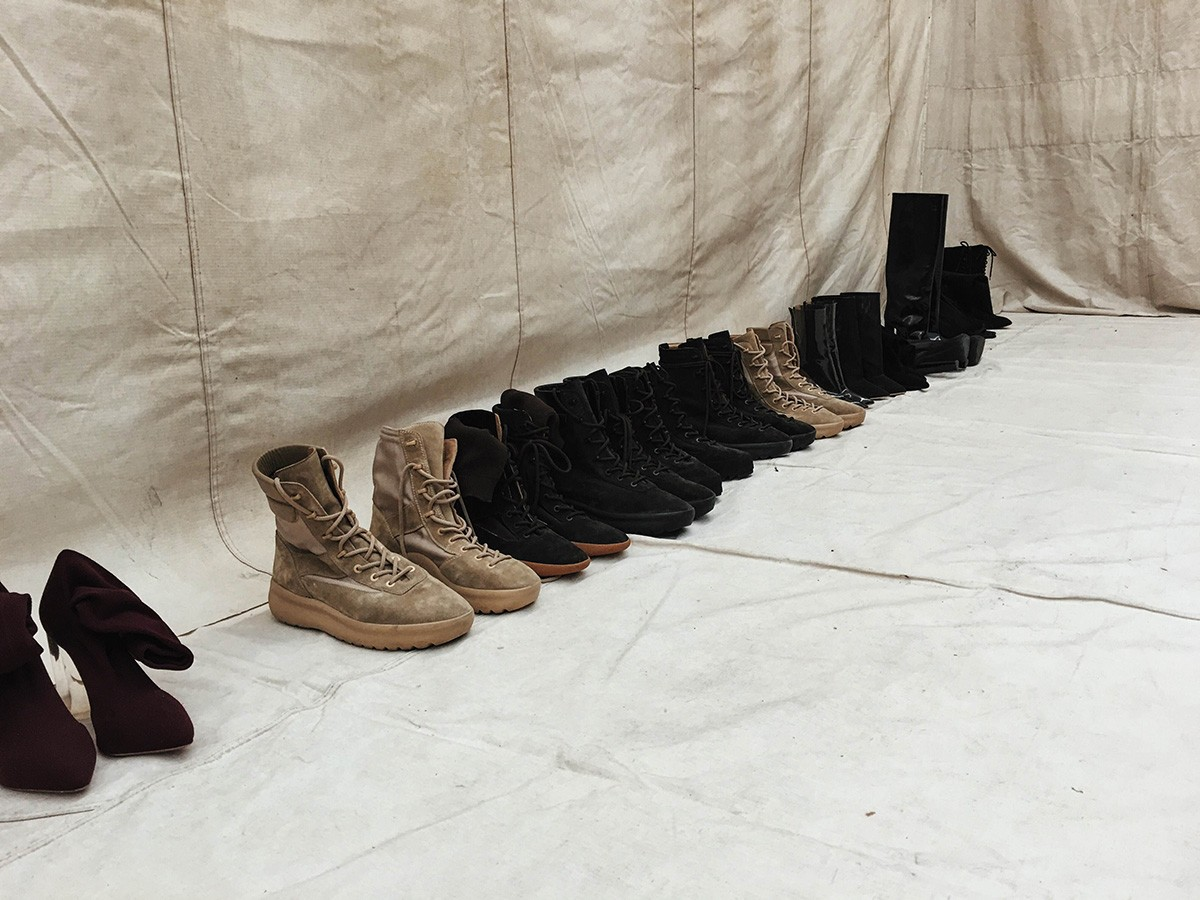 'Easy Season 3' boot collection.