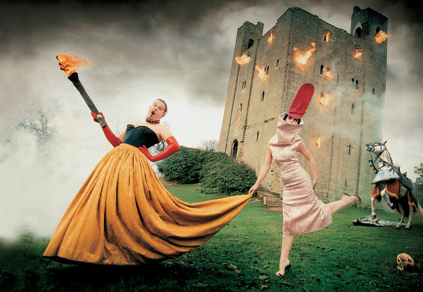 alexander-mcqueen-and-isabella-blow-photographed-by-david-lachapelle-for-vanity-fairs-march-1997-issue-at-hedingham-castle-england