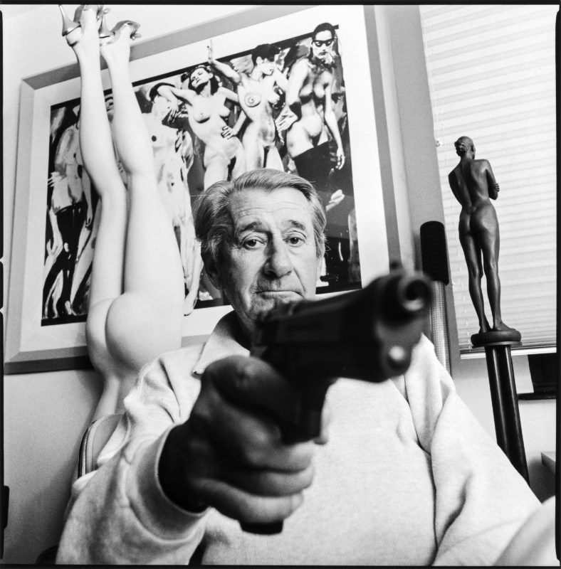 fib 5 minute web doco helmut newton masters of photography. Black Bedroom Furniture Sets. Home Design Ideas