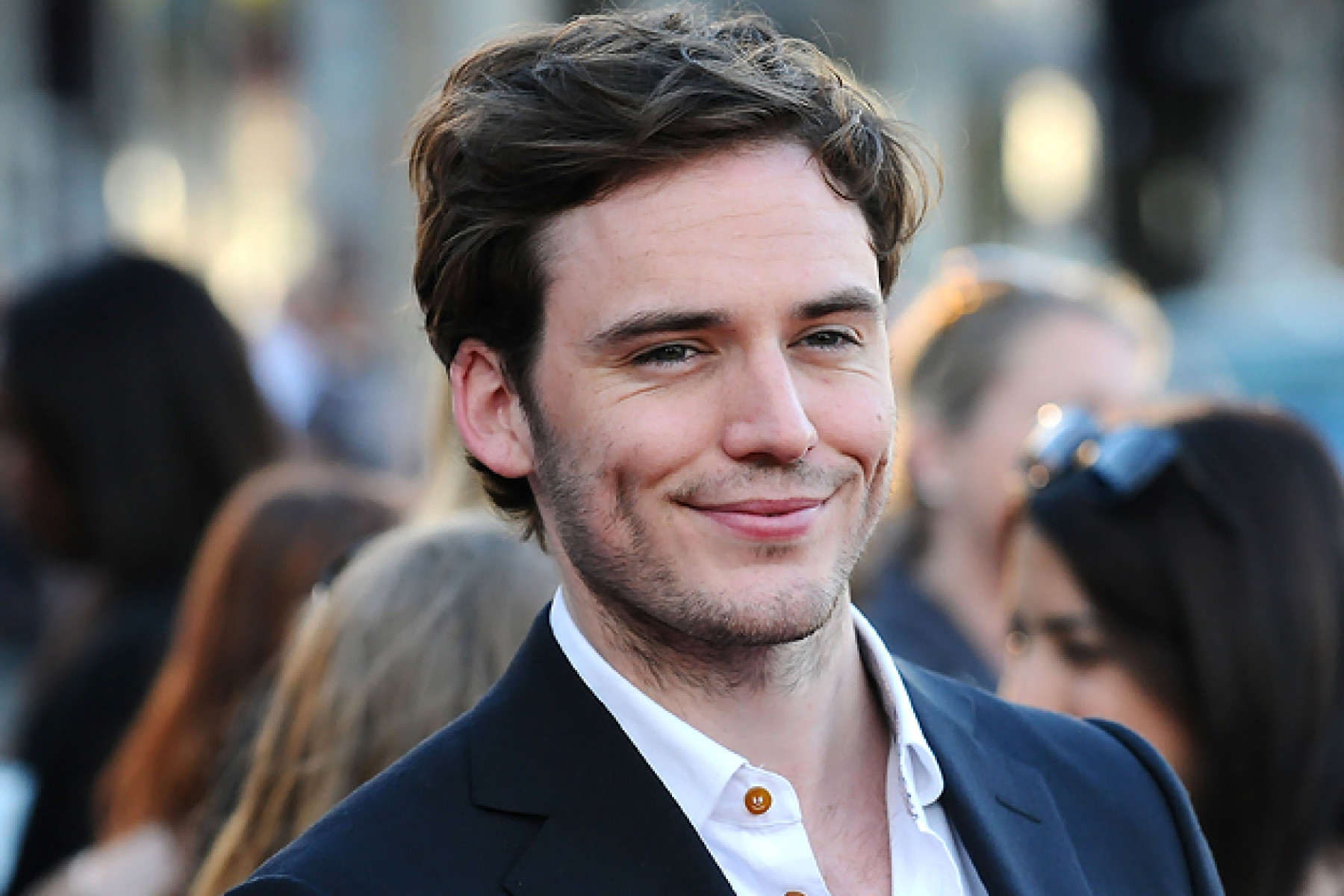 Sam Claflin, Please Send Us A Sign That You're Okay | FIB